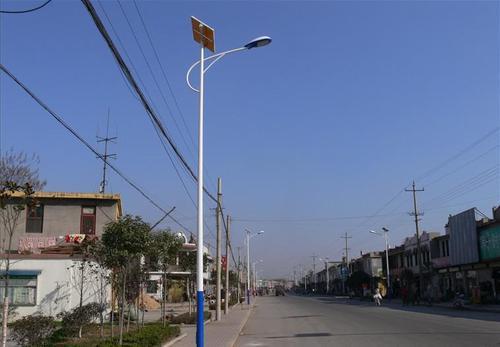 郑州太阳能路灯施工安装视频