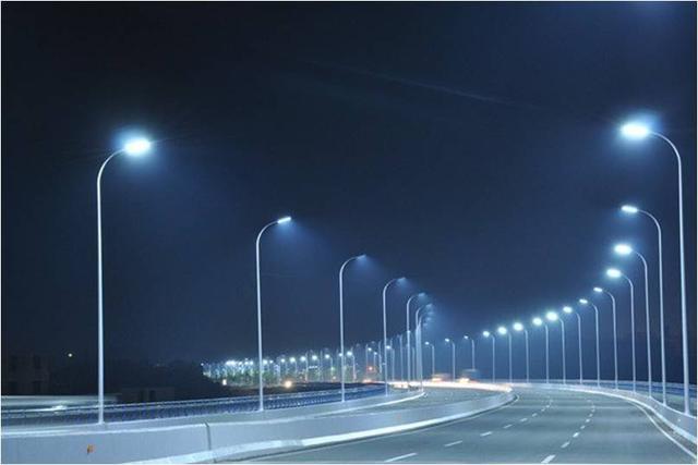 河南LED路灯价格不同原因