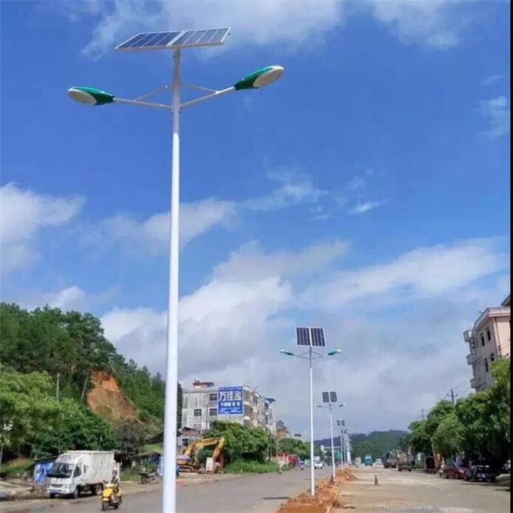 太阳能路灯平行双臂
