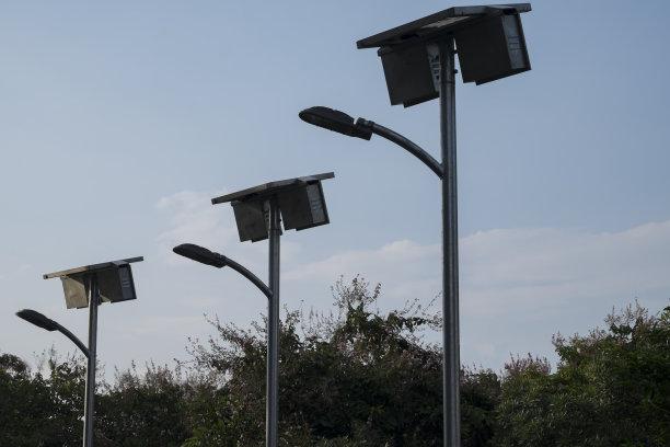 双电池组方形杆太阳能路灯