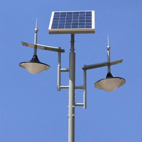 仿传统双灯头太阳能路灯