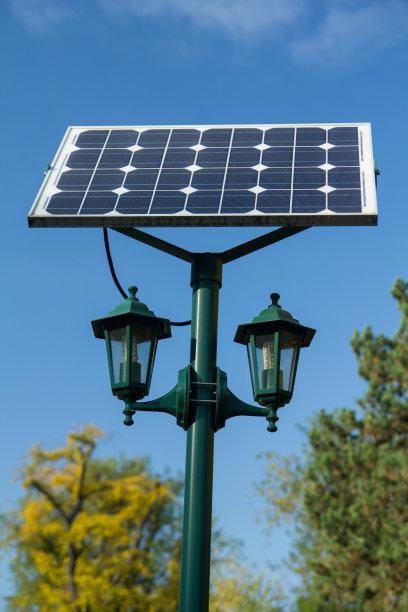 节能双灯头太阳能庭院灯