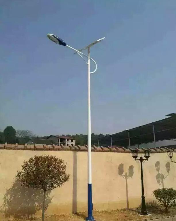 <b>6米河南农村海螺臂太阳能路灯</b>
