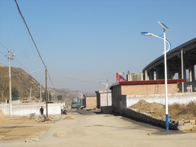 河南太阳能路灯5米款乡村版实拍