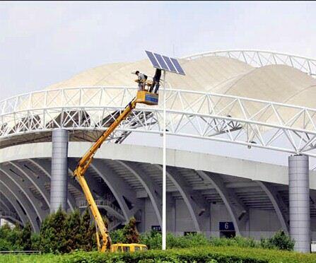 河南郑州体育场太阳能路灯维修