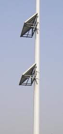 河南郑州太阳能路灯项目灯杆及电池板