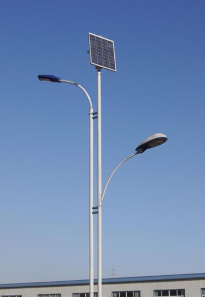 河南省郑州市双杆双灯头锂电池版太阳能路灯