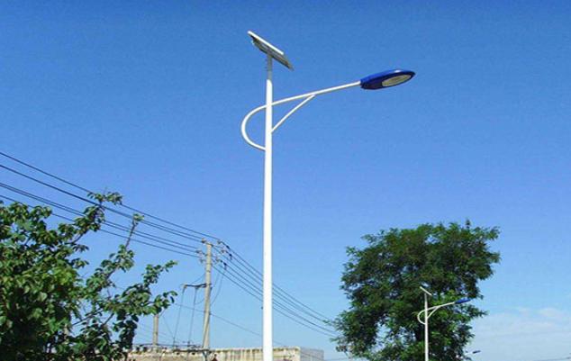 河南尉氏县6米太阳能路灯