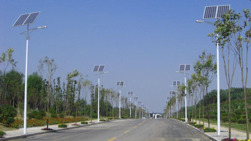 河南省郑州市郊区4米太阳能路灯