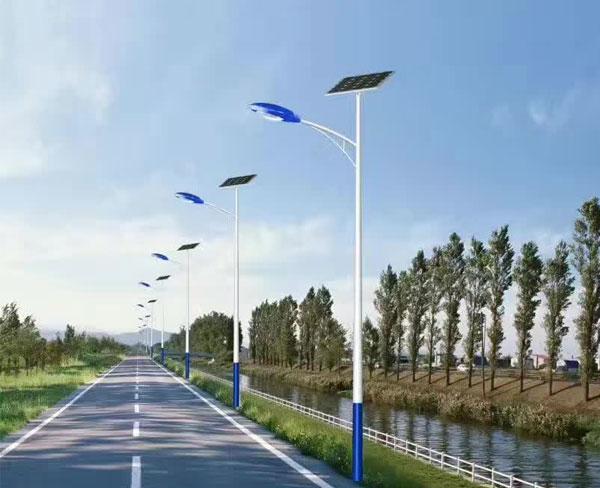 河南省尉氏县安装的7米A字臂太阳能路灯