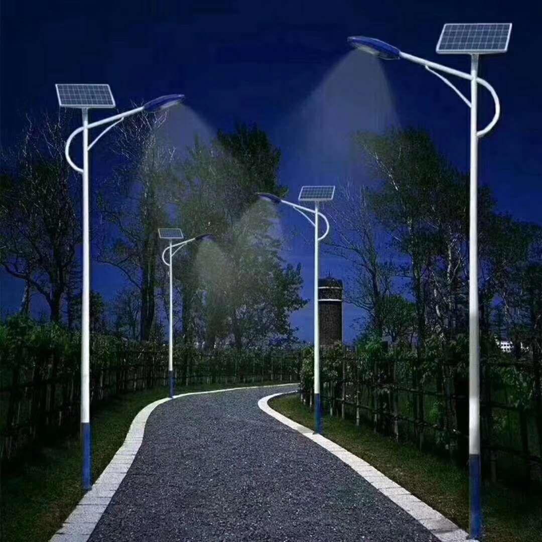 河南省郑州市公园6米30W海螺臂太阳能灯