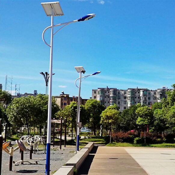 河南6米城市海螺臂太阳能路灯