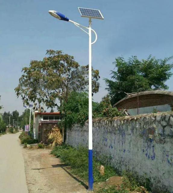河南路灯厂家生产的6米农村太阳能路灯