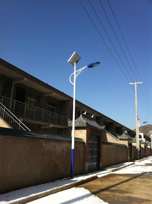 人体感应的河南省农村太阳能路灯