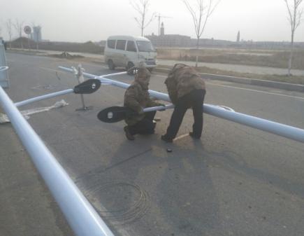 河南省郑州市郊区农村6米太阳能路灯接线中