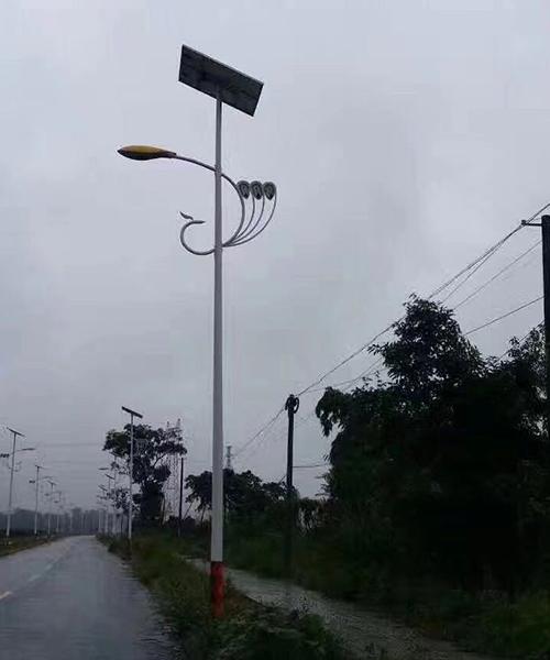 河南80W电池板太阳能路灯