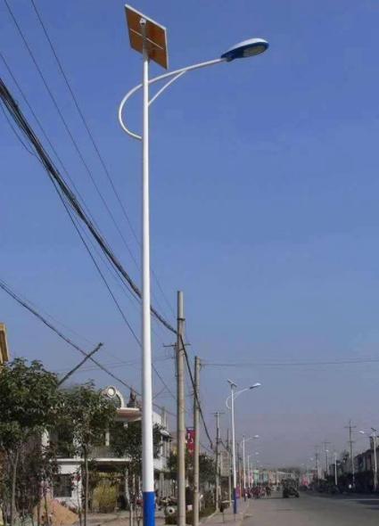 河南郑州6米海螺臂太阳能灯日通照明