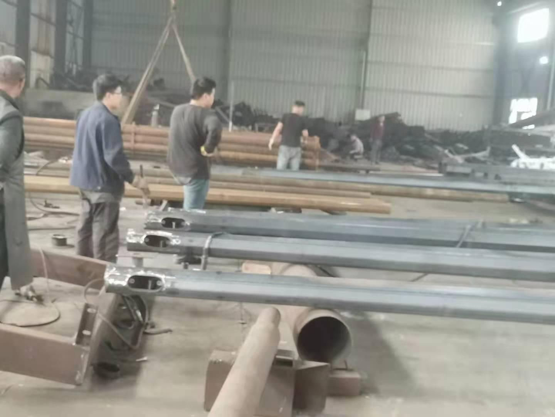 河南省太阳能灯生产厂家日通照明实拍
