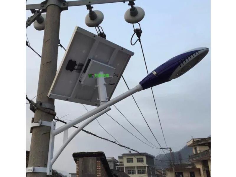 河南农村抱箍式30W太阳能路灯