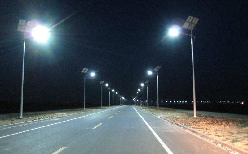 河南省郑州市美丽乡村太阳能路灯