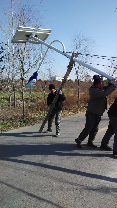 郑州路灯厂家安装太阳能路灯