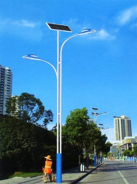 河南省开封市市政安装的太阳能路灯