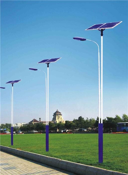 郑州市某庄园安装的太阳能路灯产品