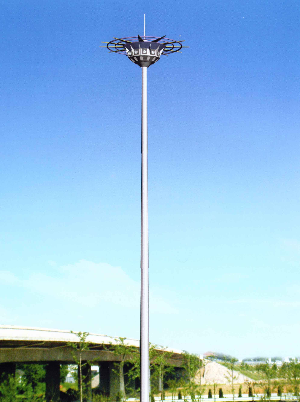河南省郊区安装的30米高杆灯