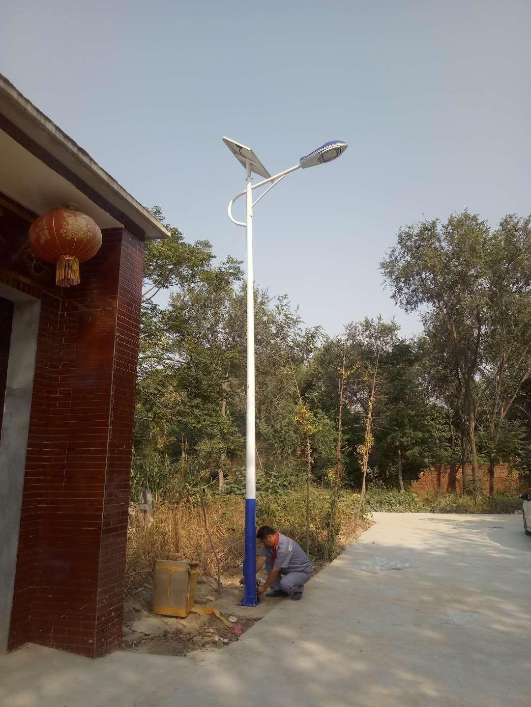 河南省郑州市农村太阳能路灯