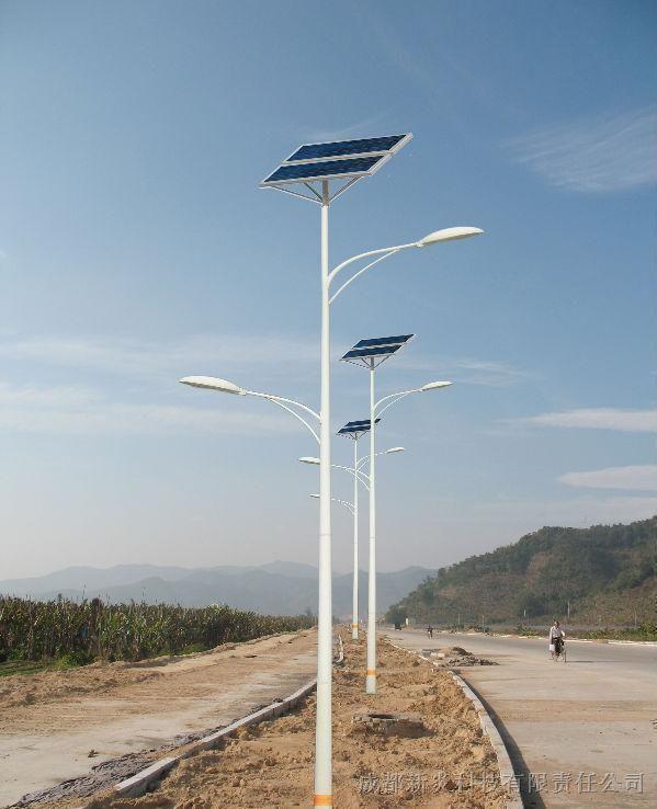 河南省郑州市郊区太阳能路灯