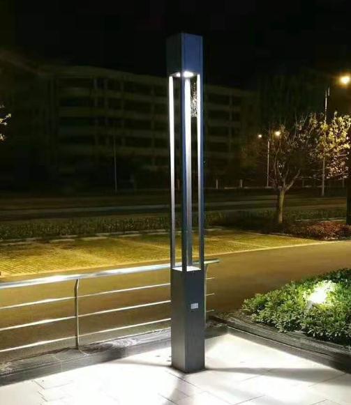 河南某小区安装的4米方形庭院灯
