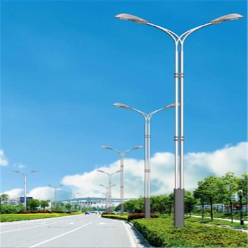 河南省平顶山市市区双头双杆8米LED路灯效果图