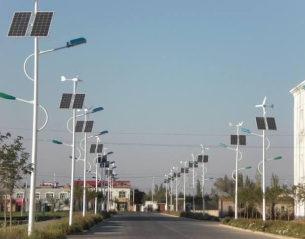 河南省中某县某路段6米双头风光互补太阳能路灯